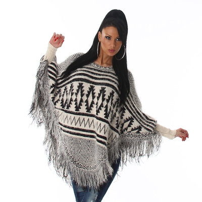 Trendy Knit Poncho XT301 in Wit
