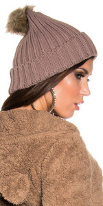 Trendy Knitted Muts met Fake Fur Pom Pon in Cappuccino